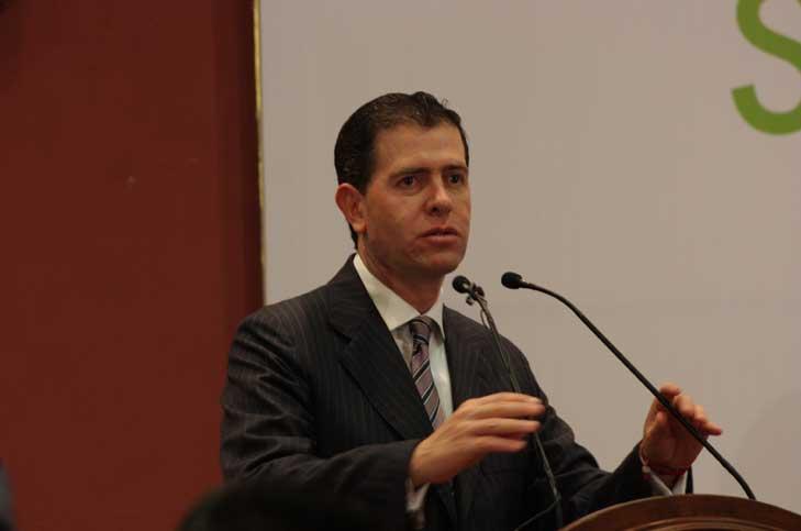 Alfredo Castillo 5