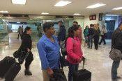 padres normalistas, ayotzinapa, AICM, Twitter