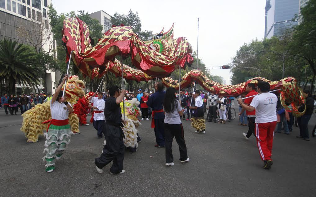 Vuelan y bailan dragones sobre reforma celebran a o nuevo for Espectaculo chino en mexico