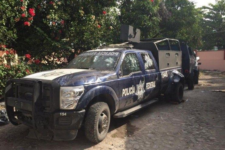 policia federal, camioneta, apatzingan