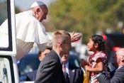 papa francisco en mexico foto facebook Con el Papa