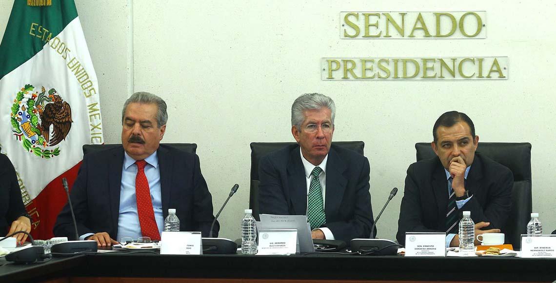 Comparece Gerardo Ruíz Esparza ante el Senado por socavón en Paso Exprés