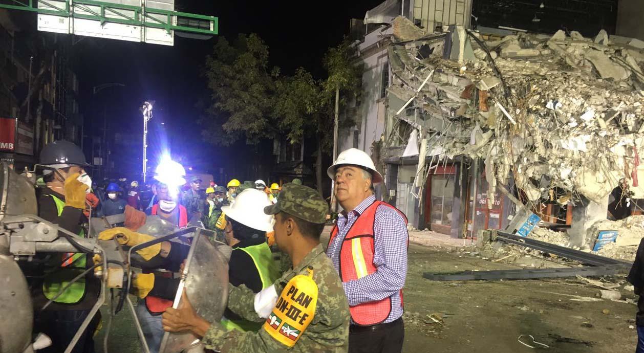 Coadyuva Grupo de Oro en tareas de rescate en La Condesa y Roma
